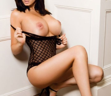 Dubai Escort SUZZY Adult Entertainer, Adult Service Provider, Escort and Companion.