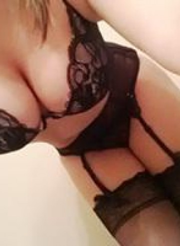 Jacksonville Escort Bryttany Adult Entertainer in United States, Female Adult Service Provider, American Escort and Companion.
