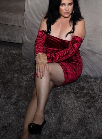 San Diego Escort Ava  Grant Adult Entertainer in United States, Female Adult Service Provider, Italian Escort and Companion.