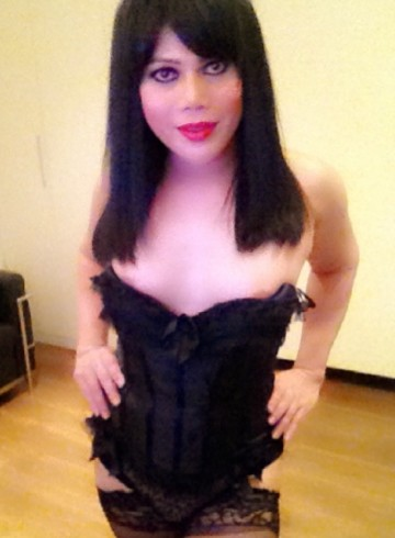 London Escort TsEryn Adult Entertainer in United Kingdom, Trans Adult Service Provider, Singaporean Escort and Companion.